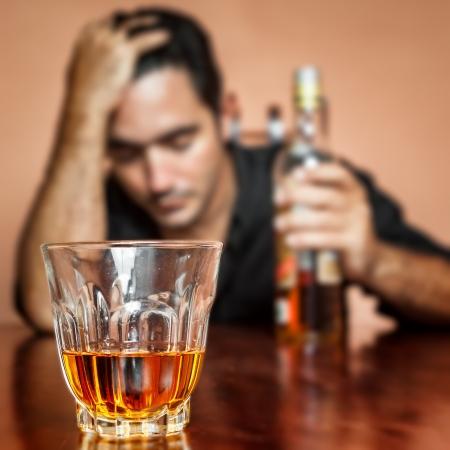 Gemiddeld heeft men bij een alcoholverslaving 4 tot 6 hypnose sessies nodig. Na de eerste sessie merkt men al een verschil op.
