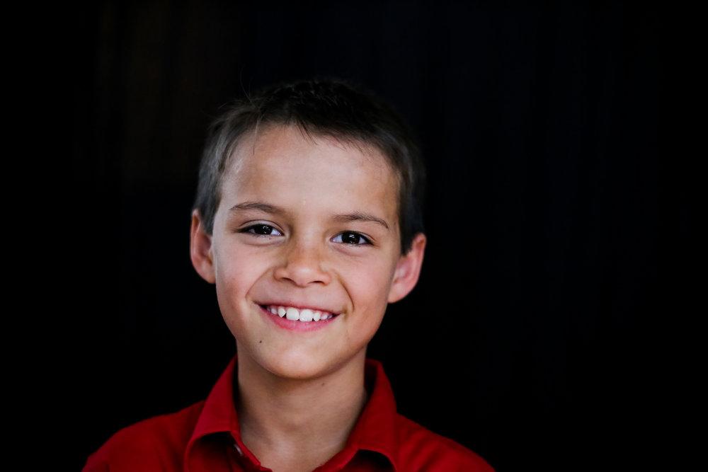 School-portraits-north-queensland-child-8.jpg