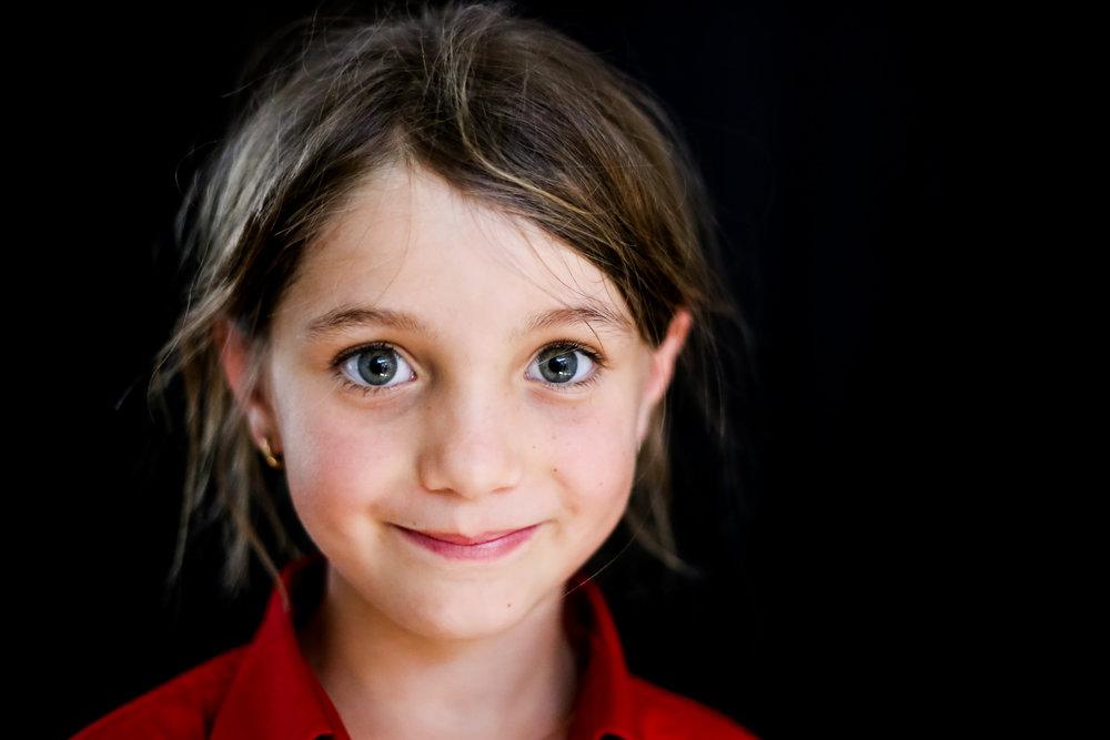 School-portraits-north-queensland-child-10.jpg