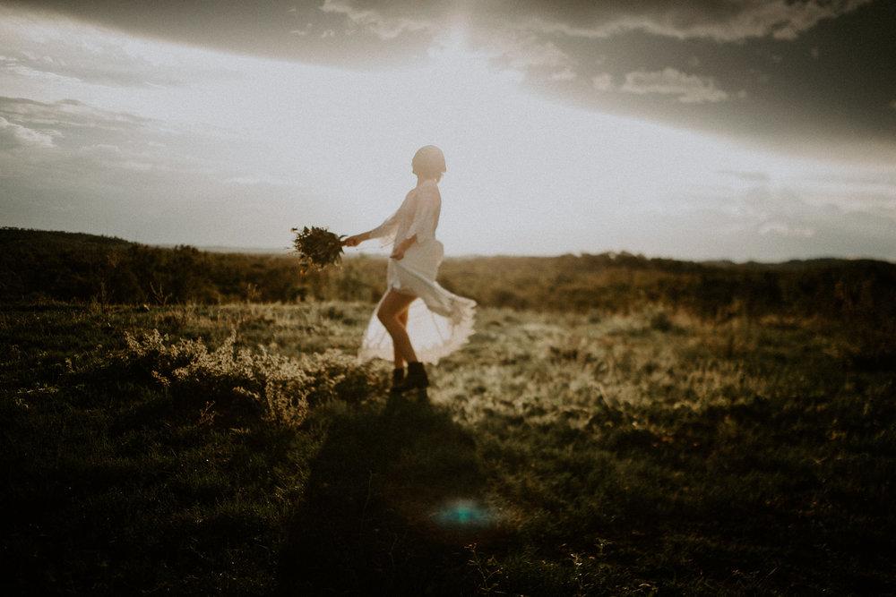 Wedding-photographer-townsville-candid-natural-light-engagement.jpg