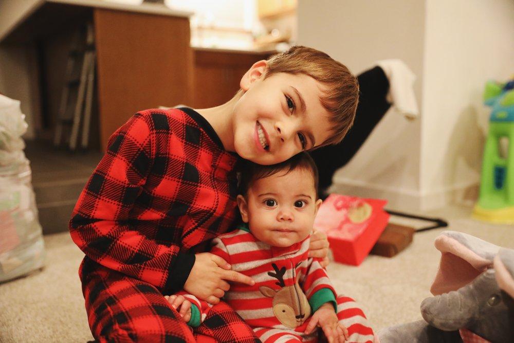 walton_kids_at_christmas.JPG
