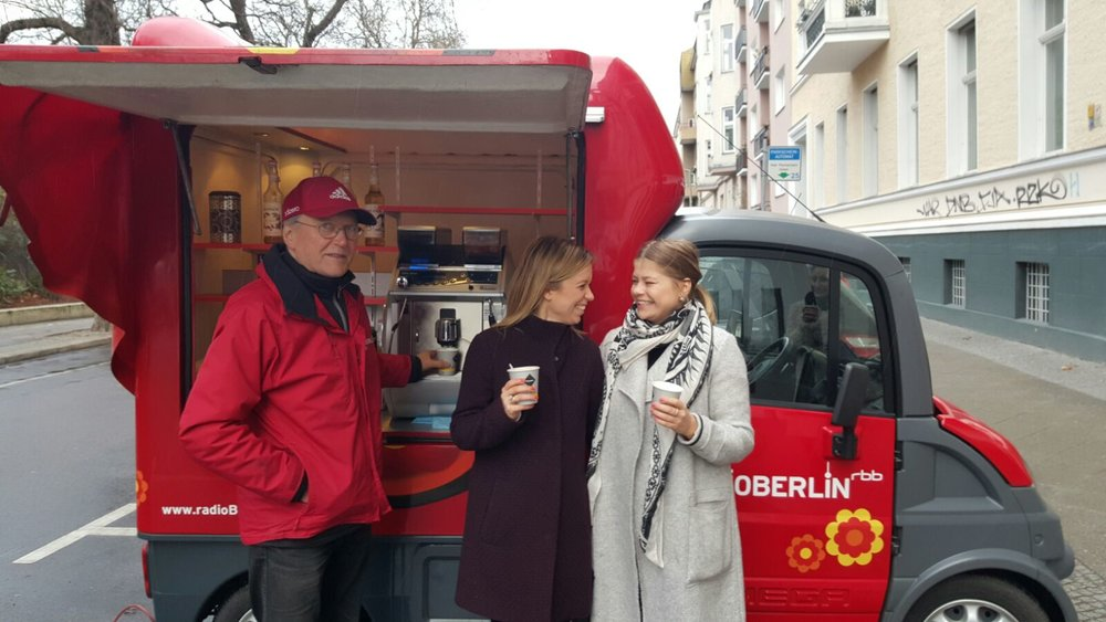 Radio Berlin | Besuch vom Café Mobil im bow & arrow events Büro  11.02.2016 | Radio Sender