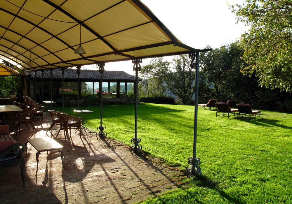 Umbria-Italy-garden.jpg
