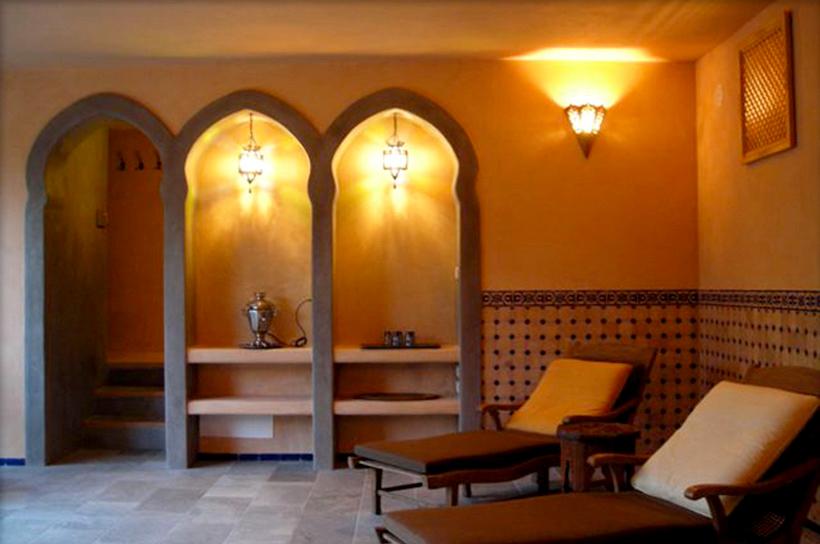 Umbria-Italy-hallway.jpg