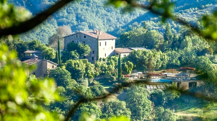 Yoga Explorers yoga retreat in Italy - twelfth century farmhouse