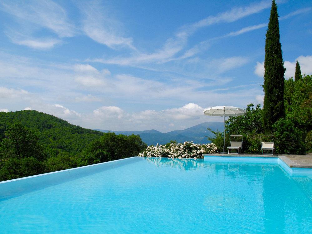 Umbria-Italy-pool.jpg