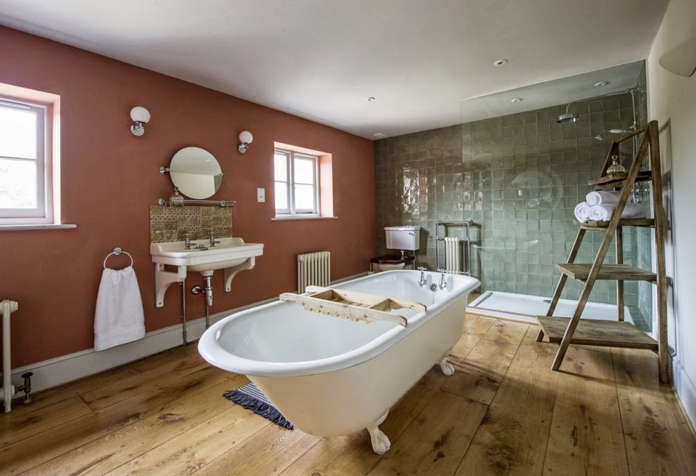 master ensuite bathroom.jpg