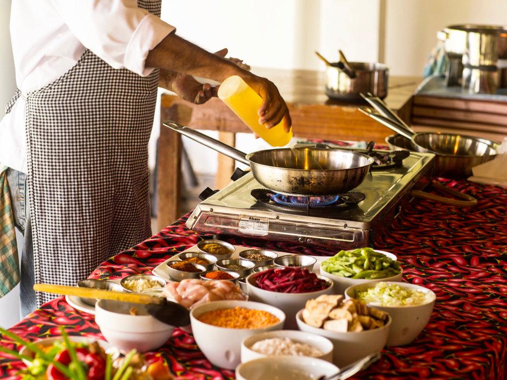 Sri Lanka yoga retreat cooking lesson