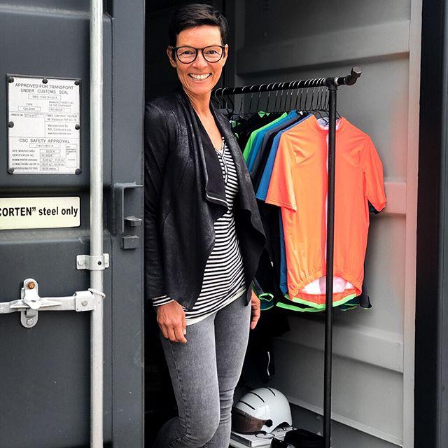 Wir sind total in ❣️ Wir haben einen  #Showroom mit der gesamten Kollektion von Q36.5 in Deutschland, mitten im RheinMainGebiet, 10 Minuten von der A5 entfernt. Bei uns findest Du die Rennradbekleidung von Q36.5 und die gesamte Urban Collection. 🚲 💕🚲 〰️ 〰️ 〰️ Q36.5 distributor in GER & AT 〰️ 〰️ #rideinstyle #q36_5 #madeinitaly #cyclingapparel  #darmstadt #finestequipment #cyclegear von und für #cyclists #cycling #cyclingkit #bestteamever 🚵🏼♀️❣️🚵🏼♀️ #cyclinglove #dowhatyoulove #cyclinglife #cyclestyle #liveridelove #rennradliebe #ridetogether #rennrad #roadcycling #q36_5women #handmadeinitaly #lovewhatyoudo #cyclinggirl #cyclingwomen #crossovercollection #urbancycling #cyclingkits
