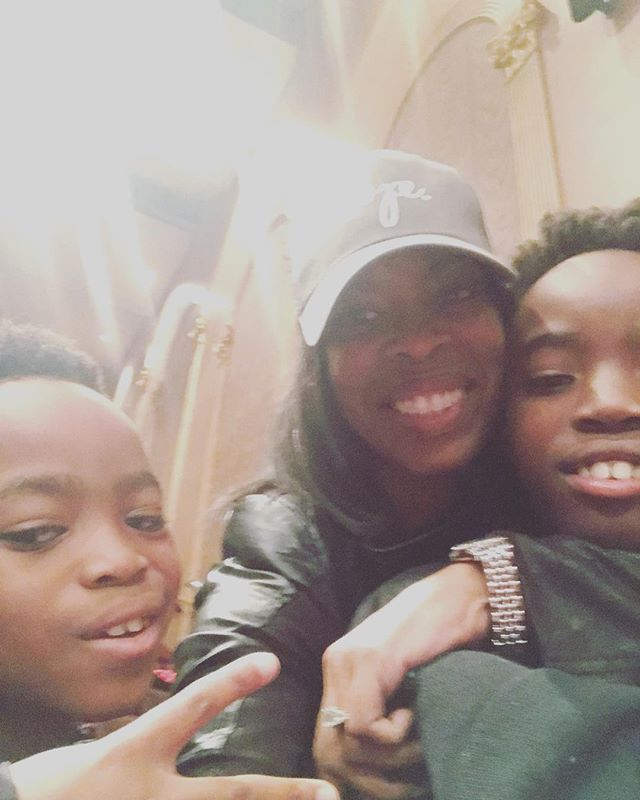 HAPPY NEW YEAR from my family to yours! This year is going to be a year of changes, constant changes. And change is good! Believing God for #JOY #LOVE #GOODHEALTH & #WEALTH!! #HNY #HappyNewYear!! #mommylife #love #friendship #family #church @westangelescogic @deedeefoster