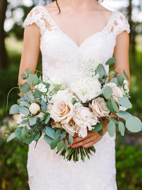 bucks-county-blush-bride-bouquet-sand-castle-winery-florist.JPG