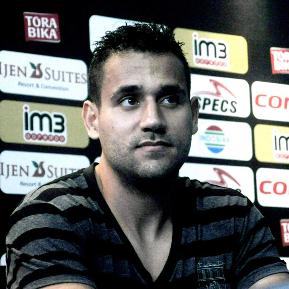Marcio Teruel - Marcio has been a football player for most of his life. After leaving Serbia, he joined the Vittoriosa Stars in the Premier of Malta. In 2015 he went to Bahrain to join the Bahrain Club, where after a good job, went to the Sitra Club to play for Bahrain First Division League. And in 2017, he joined AREMA Indonesia, where he was Vice National Champion. A talented Brazilian footballer and crypto enthusiast. Marcio sees the Valorem Foundation as the future of value and happily endorses it's effort.