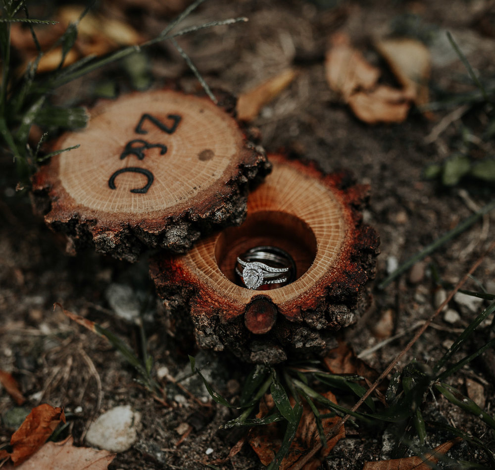 indiana woodland rustic wedding floral midwest photographer.jpg