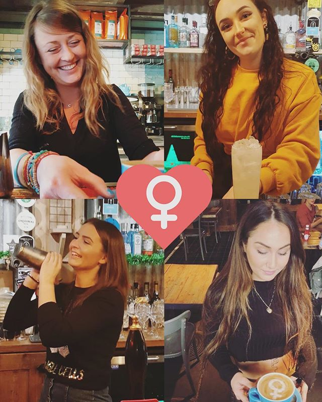 Just a few of the brilliant #kickass women that make the Dancing Moose an awesome place to be 😍💁♀️ #loveourgirls #teamspirit #internationalwomensday #girlpower #womanpower #meettheteam #fridayfunday #happyhour #cocktails #barkeeper #bartenderlife #baristalife #proseccotime #femalebartender #friyay #bournemouth #poole #bournemouthlife #ashleycross #lovebournemouth #mates #love