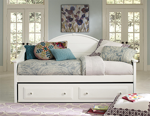 Vaughan Bassett Made in America Daybed at Belfort