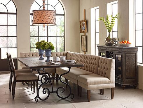 corner-configuration-dining-banquette-at-belfort