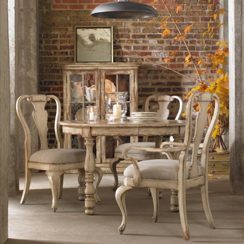 wakefield round dining.jpg