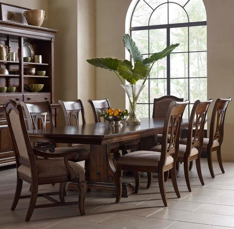 portolone dining table.jpg