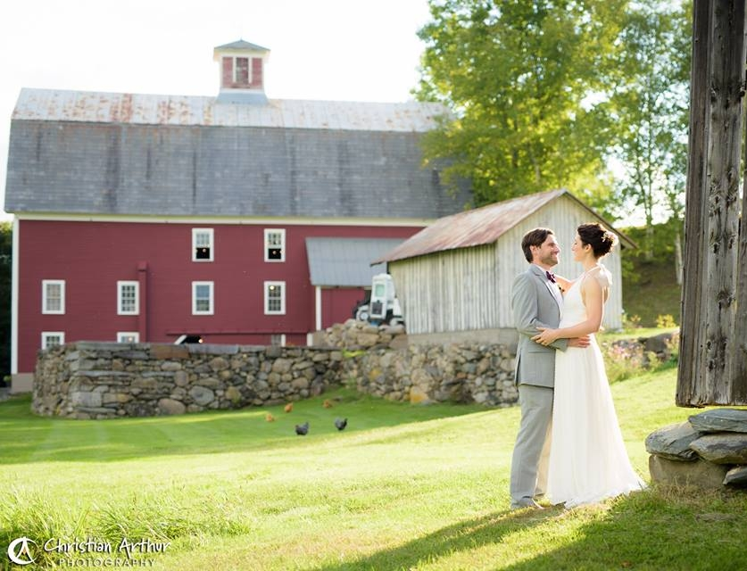 Red_Barn_Weddings.jpg