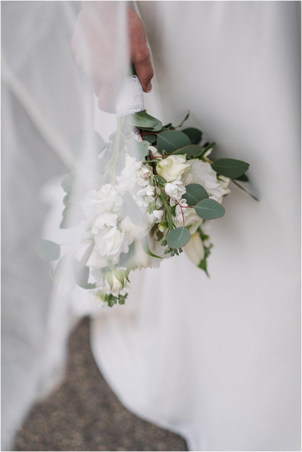 M_D_Columbus_Ohio_Classy_Romantic_Wedding__0038.jpg