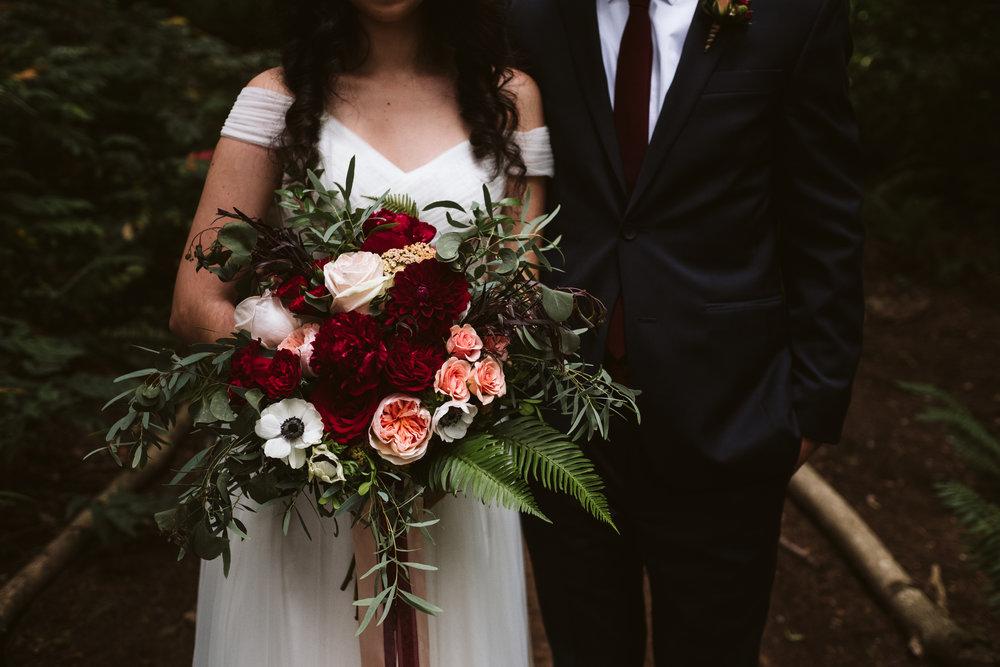 Isabel-Jacob-Outdoor-Seattle-Romantic-Wedding-Twim-Willow-Gardens-Snohomish-Washington-3.jpg