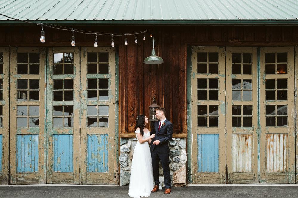 Isabel-Jacob-Outdoor-Seattle-Romantic-Wedding-Twim-Willow-Gardens-Snohomish-Washington-5.jpg