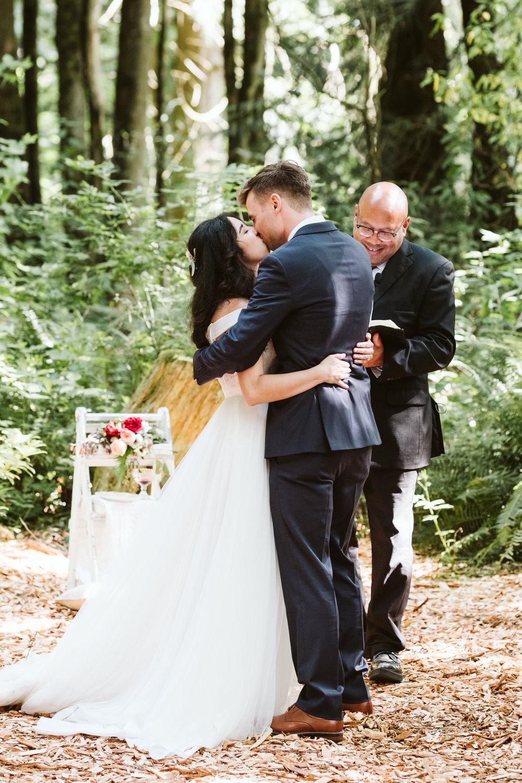 Isabel-Jacob-Outdoor-Seattle-Romantic-Wedding-Twim-Willow-Gardens-Snohomish-Washington-8.jpg
