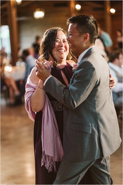 S_A_Chicago_Area_Rockford_Rustic_Joyful_Vibrant_Wedding_0128.jpg
