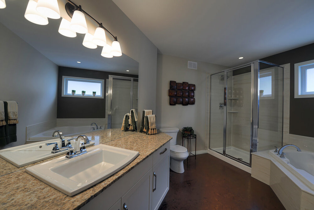 10-1865sqft_Emerald iii_Ensuite_Bungalow_Sage Creek.jpg