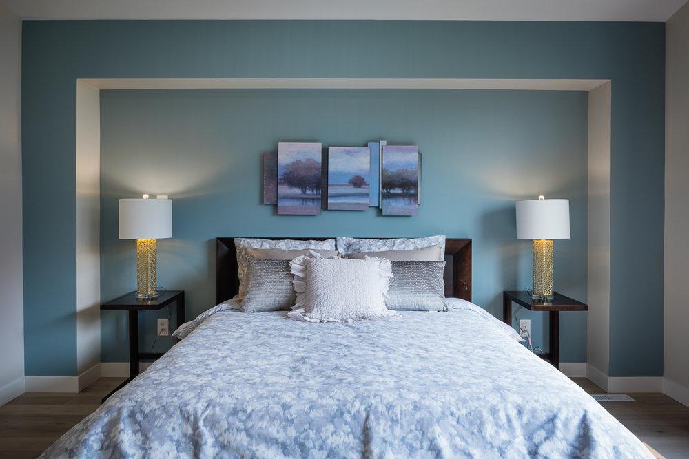 1751sqft_emerald v_bungalow_interior_ridgewood west_ensuite picture frame.jpg