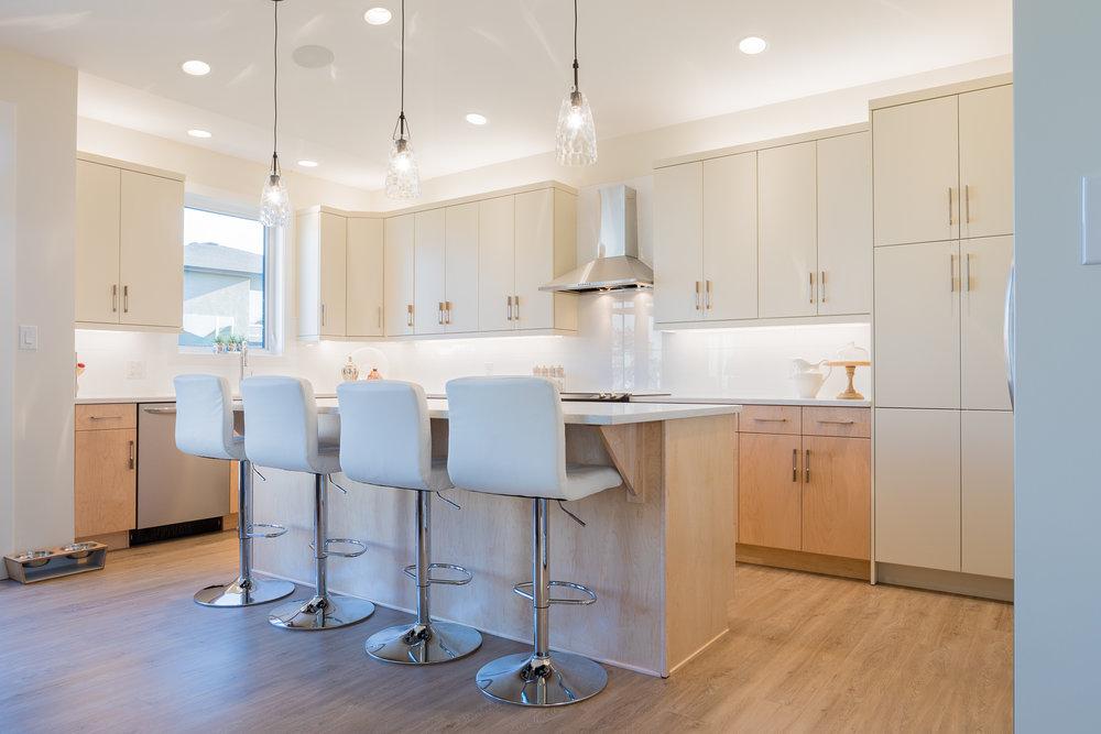1815sqft_silverstone ii_bungalow_interior_sage creek_kitchen.jpg