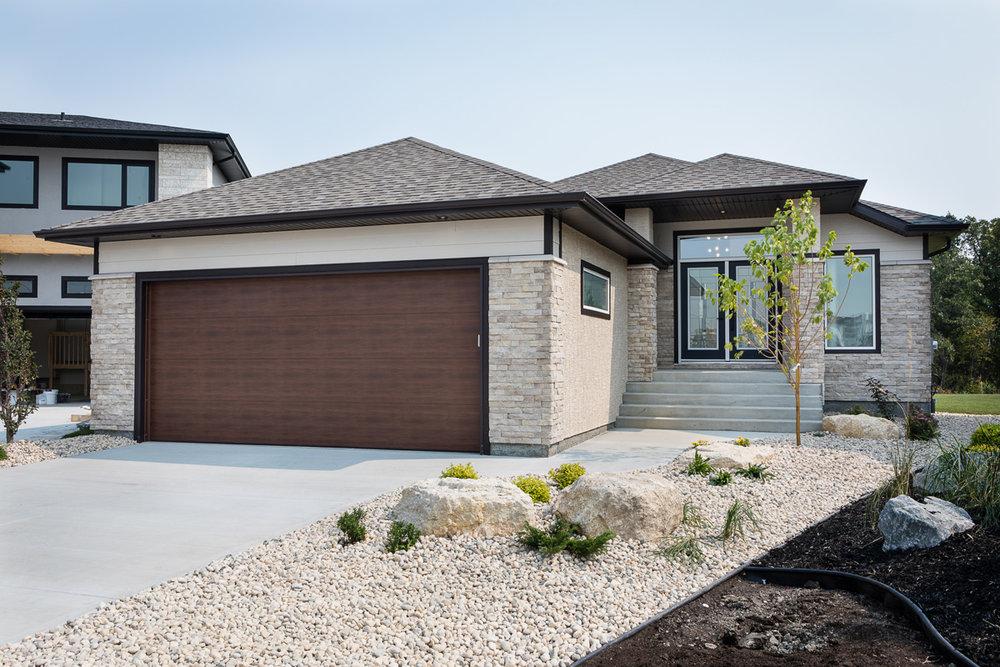 1751sqft_emerald v_bungalow_exterior_ridgewood west_front elevation.jpg