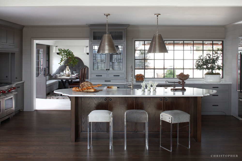 Transitional Estate kitchen