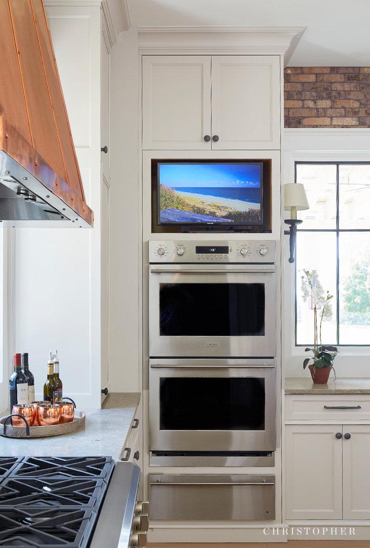 Rustic Beauty-kitchen entertainment.jpg