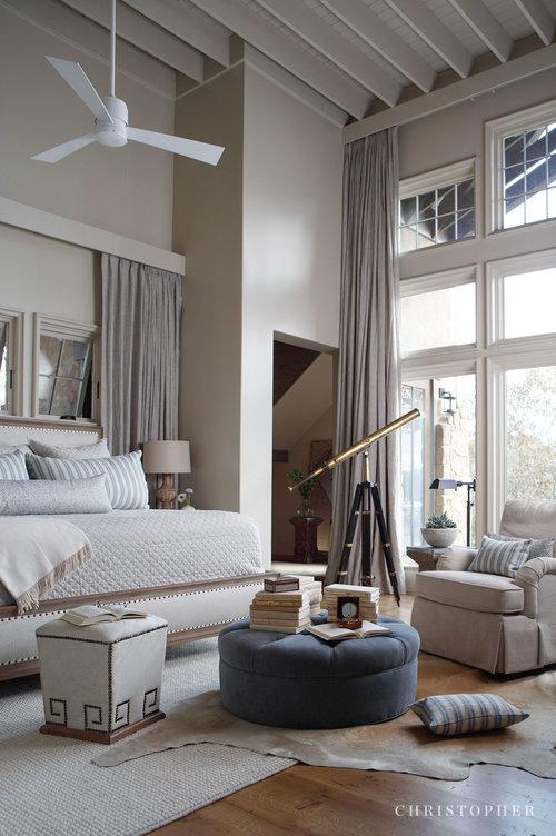 Lake Front Retreat-master bedroom.jpg