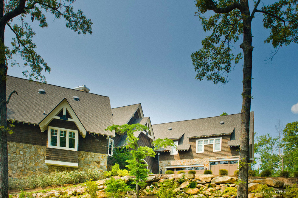 Lakeside Residence-side exterior.jpg