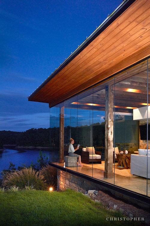 Modern Farmhouse-night view.jpg