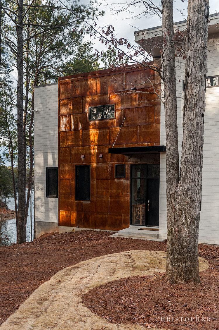 Rustic Modern Lakehouse-entry.jpg