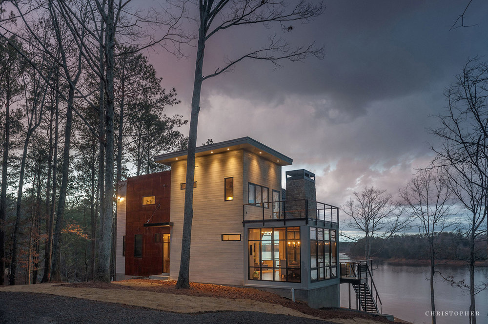 Rustic Modern Lakehouse-front approach.jpg