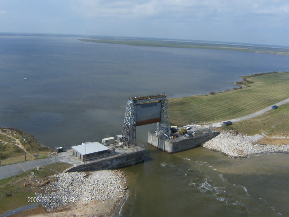 A-Hurricane levee gate.png