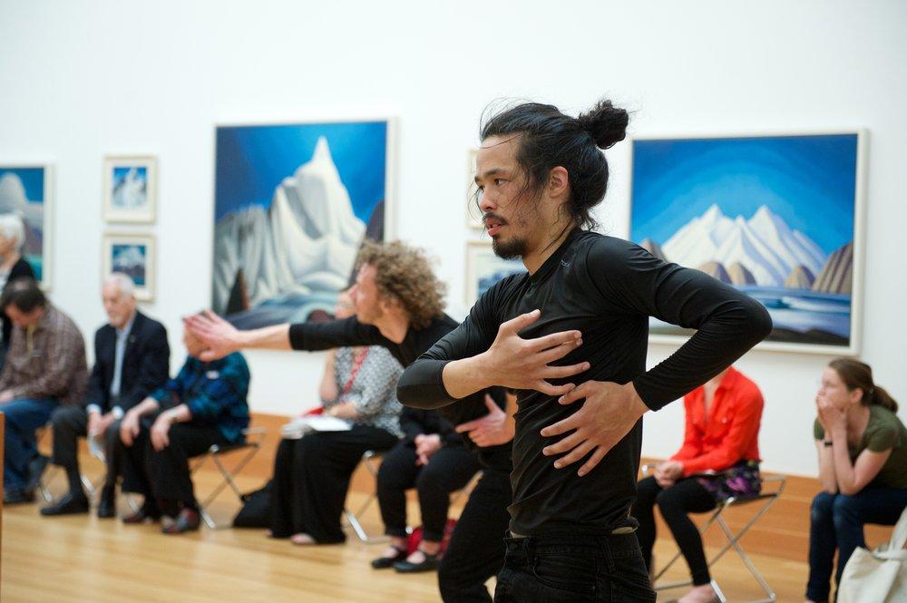 land body breath - dancers Ric Brown and Benjamin Kamino - photo Makoto Hirata.jpg
