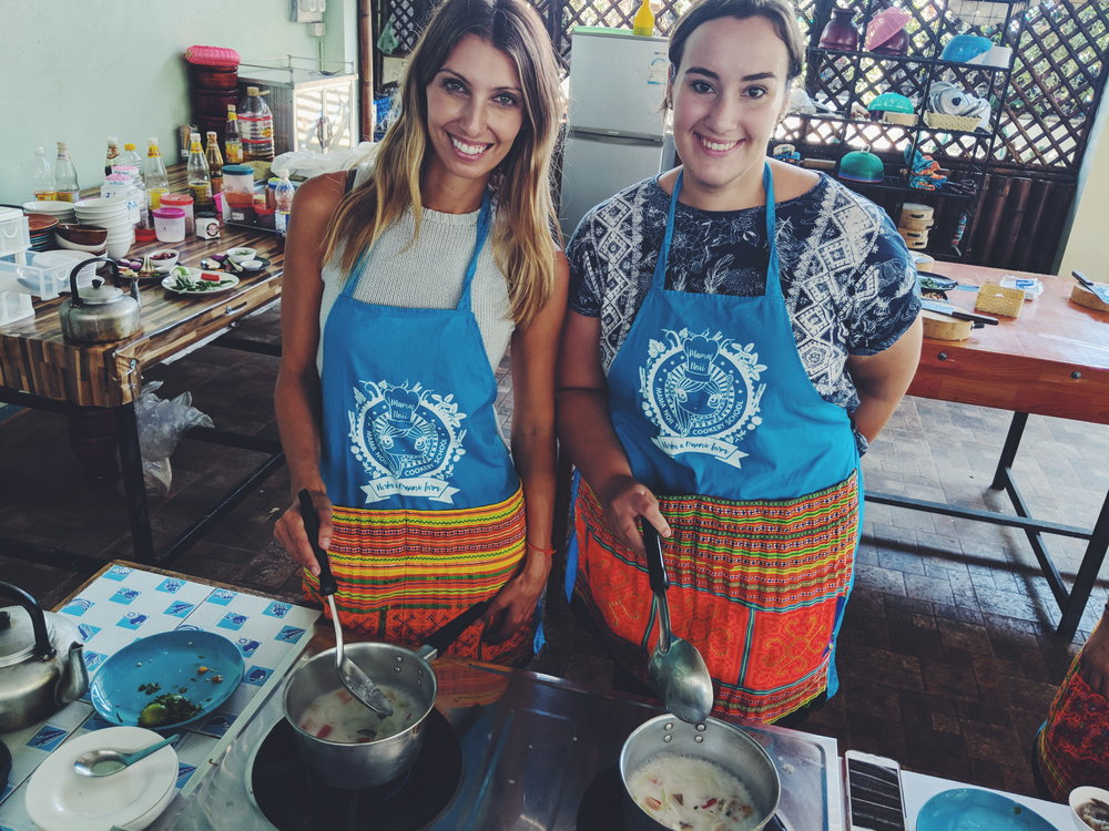 Maria and Chelsea at MAMA NOI Thai Cookery School