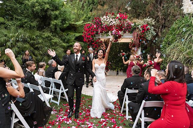 Love is our true destiny. We do not find the meaning of life by ourselves alone, we find it with another. Happy Valentine's Day to all my special people! ❤️ @venus_marie @thejasonbentley 📷 @thebigaffair 🌹 @butterflyfloral . #happyvalentinesday #allyouneedislove #hotelbelair