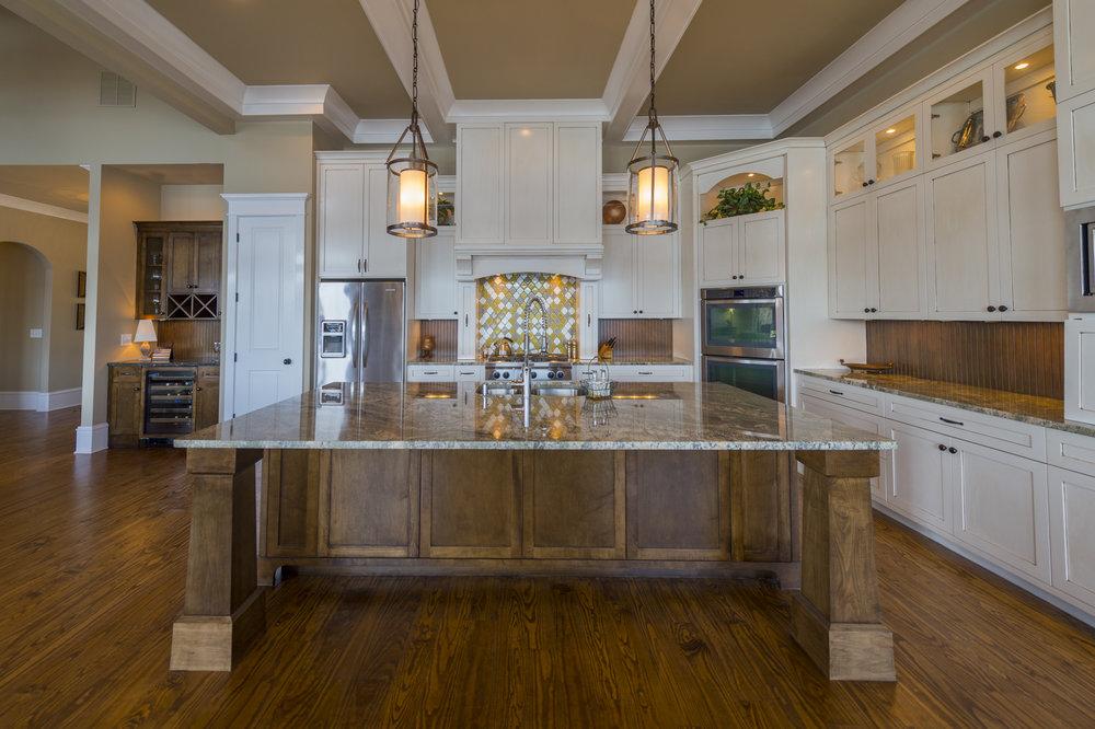 9 - Kitchen.jpg