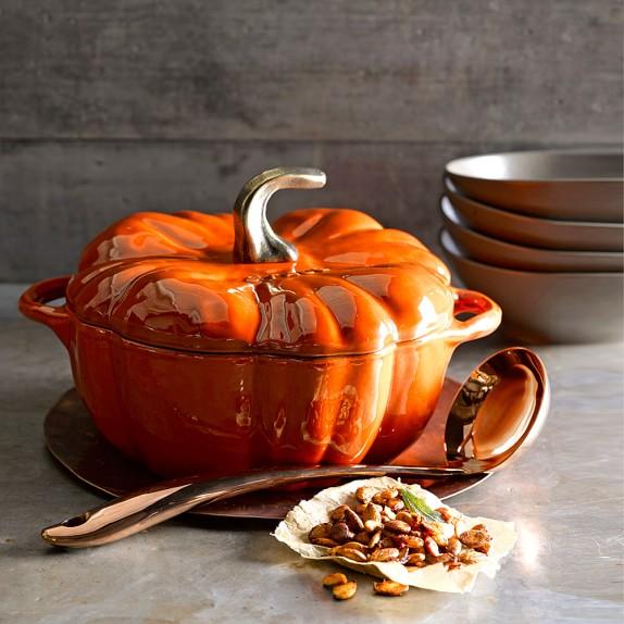 staub-ceramic-pumpkin-cocotte-c.jpg