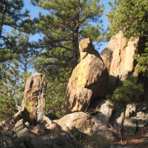 This is a great trail for cool rock formations, especially after the 2nd mile.