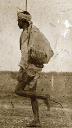 Bhil_postman,_unknown_location,_India_(c._1900).jpg