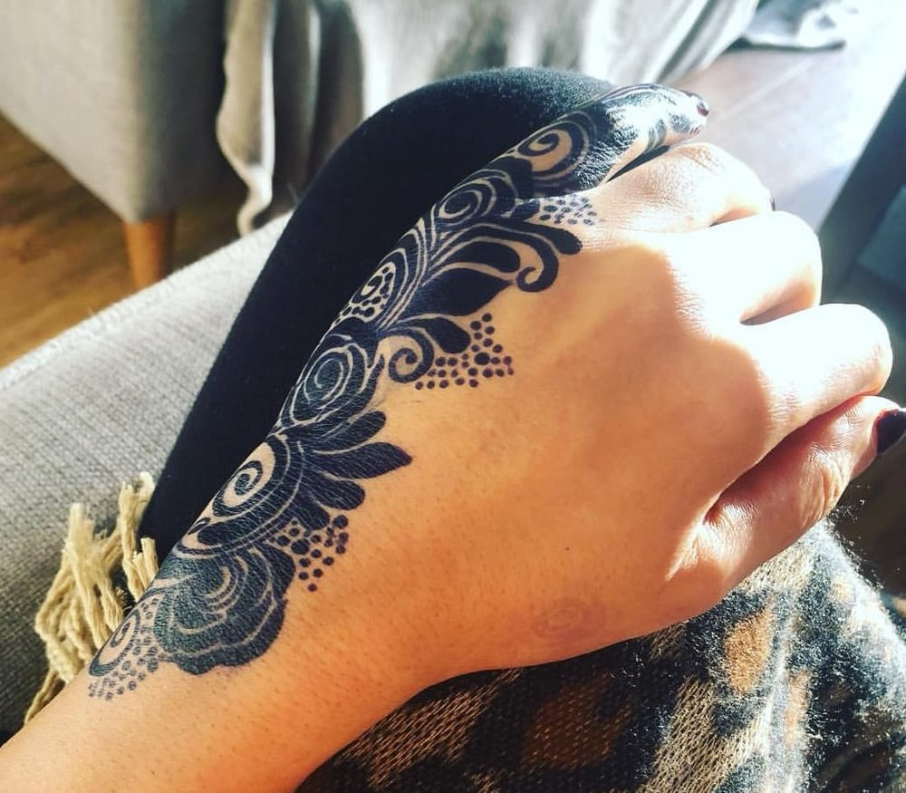 "- ""My first time using Jagua after a few years. I went a little bolder than I should have...but I wanted to share this mind-blowing three-day stain with you all from Hackney Henna House""- Kiran Sahib Henna Artist, London."