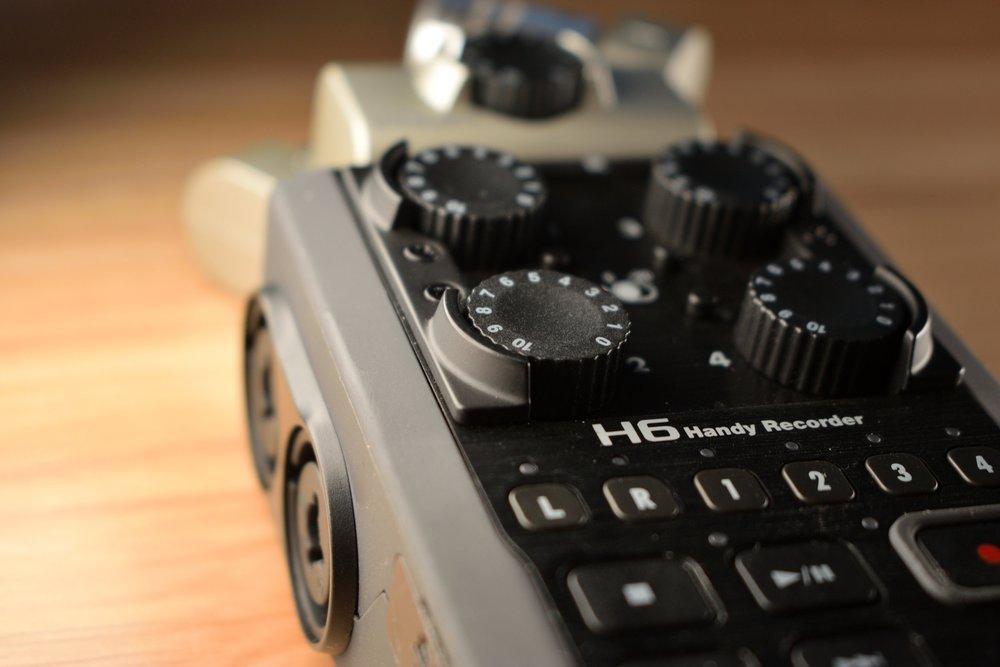 Zoom H6 Phantom Power.JPG