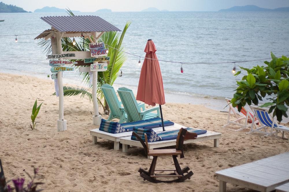 Indie_beach_kohchang_beachbar_beach_Thailand.jpg